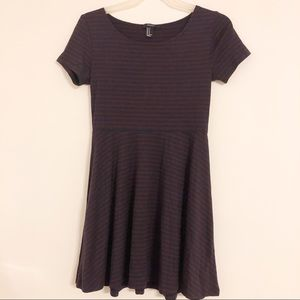 Forever 21 Maroon & Navy Mini Dress Size M